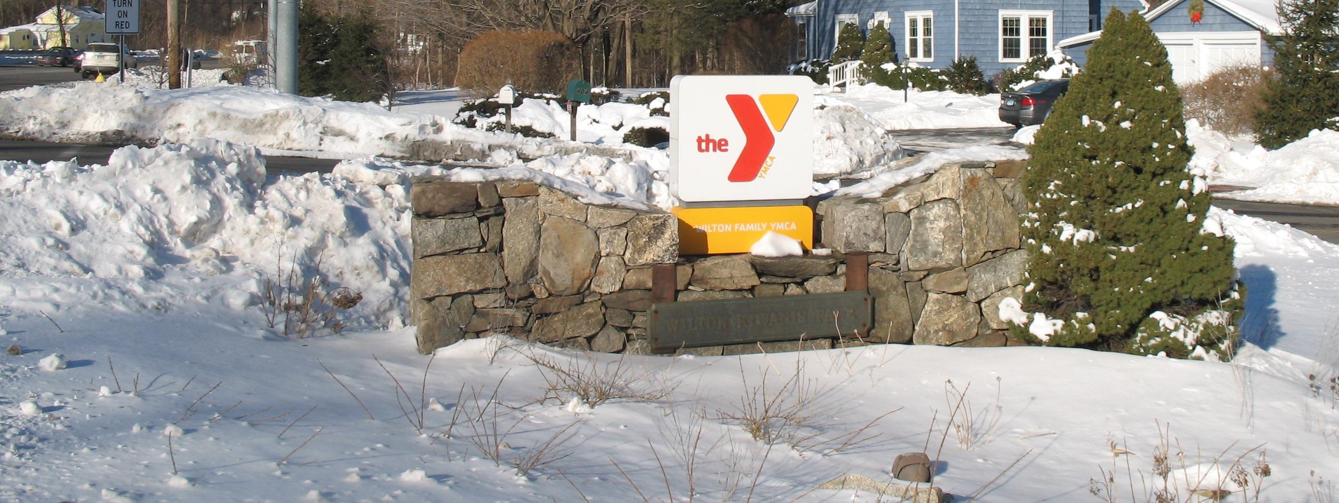 Y-Exterior-Winter-2015-007